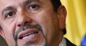 image for Renuncia Miguel Ceballos en medio de crisis