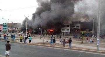 image for Choque y explosión de un camión cisterna deja más de 50 heridos