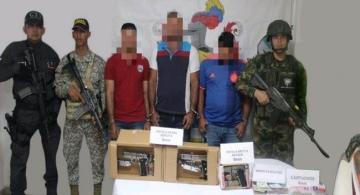 image for Capturados  tres supuestos guerrilleros del frente Héroes