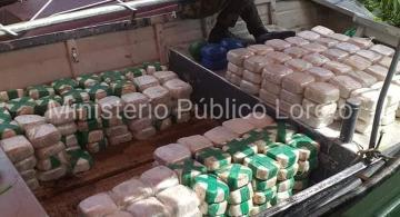 Paquetes de droga organizados en fila