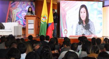 Magistrada Gloria Ortiz en una conferencia