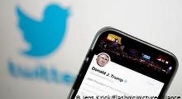 image for Twitter suspende cuenta de forma permanente a Donald Trump