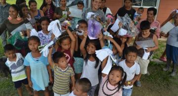 Niños de una barrio en Leticia