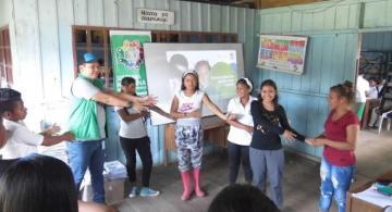 Jovenes en actividades ludicas con el ICBF