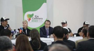 Director de Coldeportes en una reunion