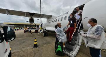 image for Deputado denuncia voos levando pessoas infectadas pela Covid-19
