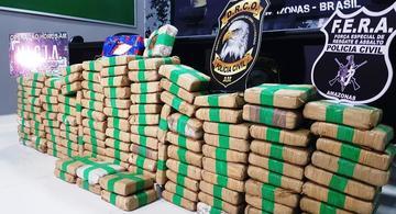 image for Quatro pessoas são presas e 133 kg de drogas apreendidas em embarcação