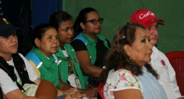 Funcionarios del Icbf en una sala en conferencia