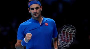 Federer en un partido de tenis