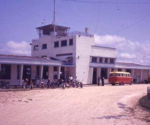 Fachada del aeropuerto de Leticia