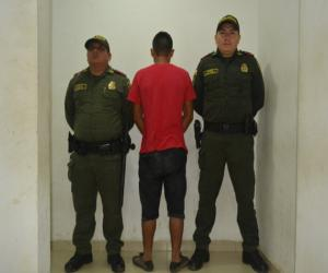 image for Sujeto es arrestado  cuando trataba de abusar de una mujer