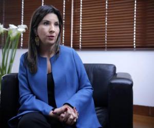 image for LA MINISTRA DE EDUCACIÓN Y SU VISIÓN DE GOBIERNO EN ESTE PRIMER AÑO